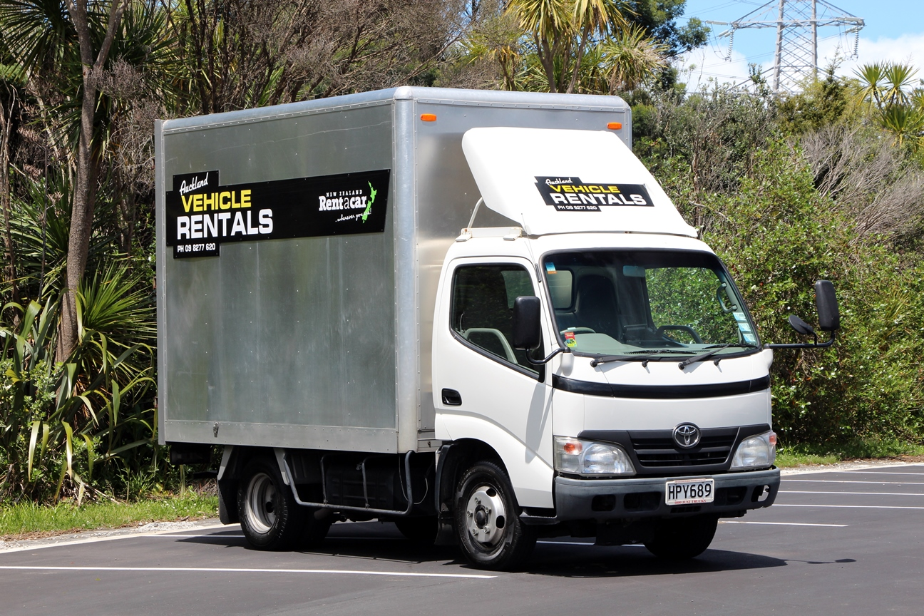 2 tonne furniture truck for hire