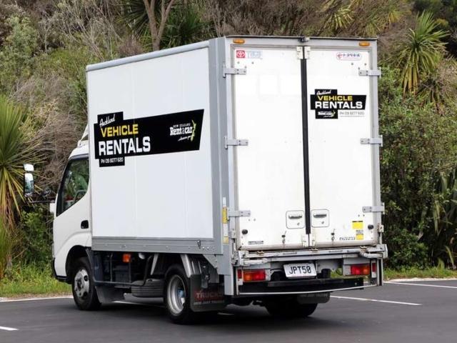 2 tonne truck rear view