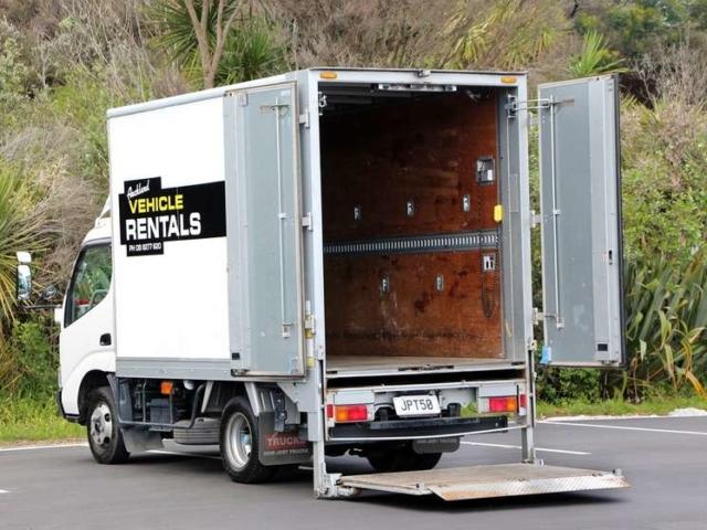 2 tonne tail lift rear view