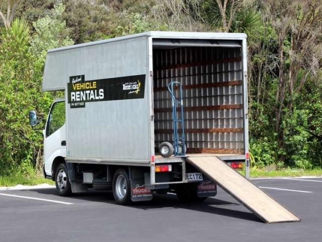 2 tonne truck rear view open